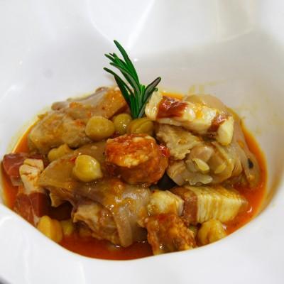 Manitas de cerdo ibérico en salsa